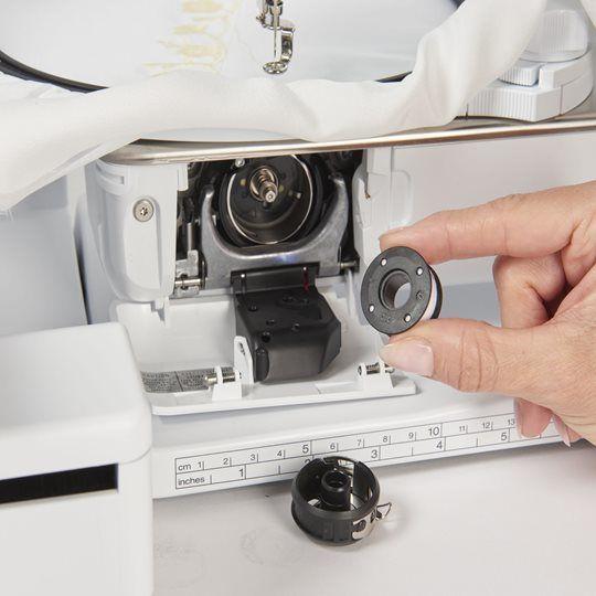 BERNINA 700 B700 Bern Pulfer kaufen Schweiz Nähen Stickmaschine sticken